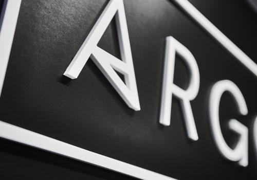 reliëfletters_argo_2